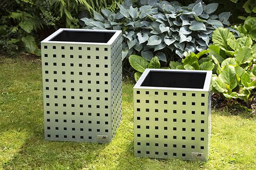 Blomsterkrukker i galvaniseret stål – perfekt til både privat og erhverv